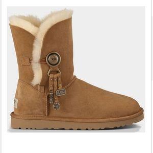 Ugg Azalea chestnut tassel classic short boots 6